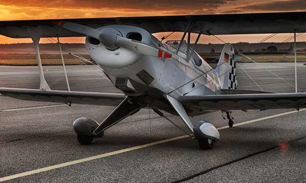 aircraft-547105_600x822